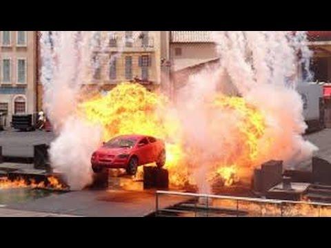 Disneyland Paris - Moteurs... Action ! Stunt Show Spectacular 2017