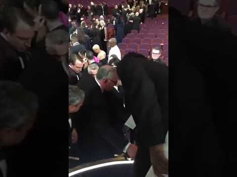 RAMI MALEK FALLS IN THE OSCARS
