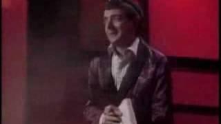 Rowan Atkinson: A Warm Welcome / Vřelé přivítání