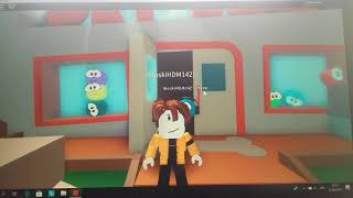 ROBLOX-Fun with my sister in Hide (Meepcity).