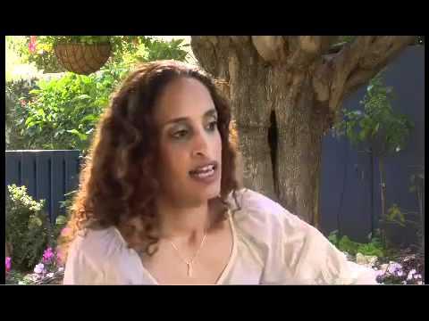 Extract from the Interview with Noa (Achinoam Nini) at Shalom Tv (Muzika)