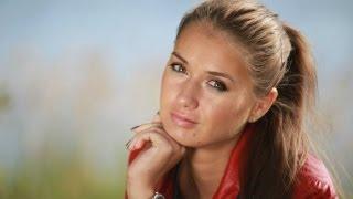 видео Что лучше: пудра или тональный крем, тонкости идеального макияжа