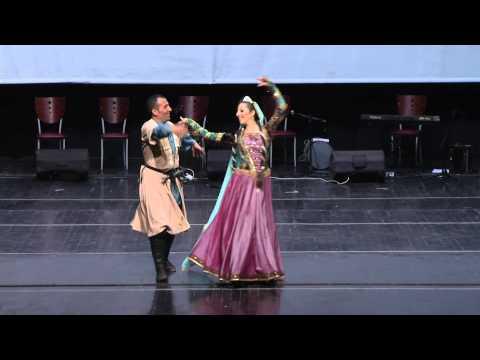Süleymani dansı. Solistler: Reyhan Ünal Çınar, Azer Bayramlı (Kuruluşcu: Ferhad Veliyev)
