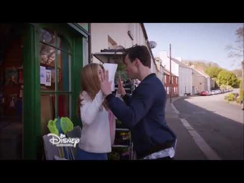The Lodge  Teel It Like It Is  Thomas Doherty and Sophie Simnett
