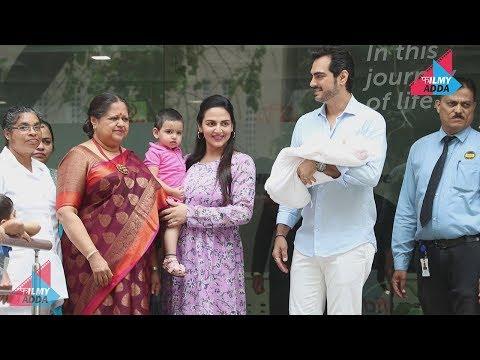 Repeat Esha Deol And Bharat Takhtani Take Baby Miraya Home