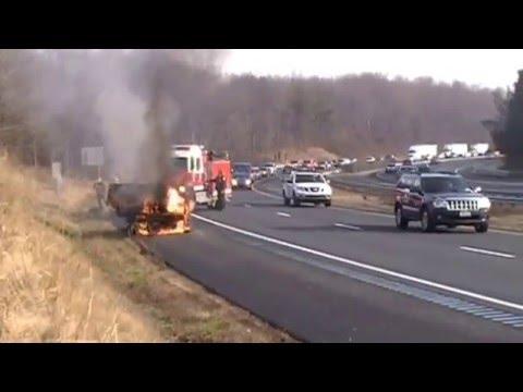 Auto fire sb Interstate 83 Mt Carmel Rd 12 4 14