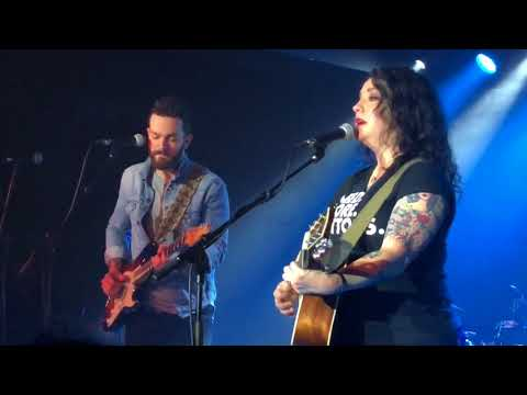 Ashley McBryde & Ryan Kinder - I Can't Make You Love Me - Live in London 2018