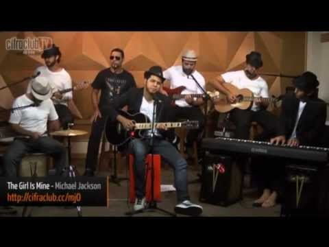 "Michael Jackson Tribute: Jean Walker singing ""The Girl Is Mine"" with the nice staff CifraClub"