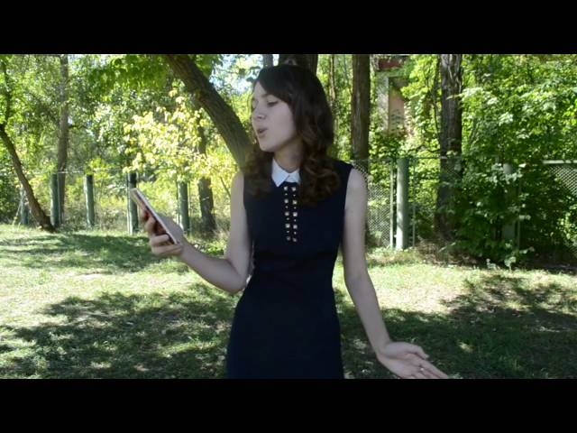 Изображение предпросмотра прочтения – ЕкатеринаОсминина читает произведение «Осыпаются астры в садах....» И.А.Бунина