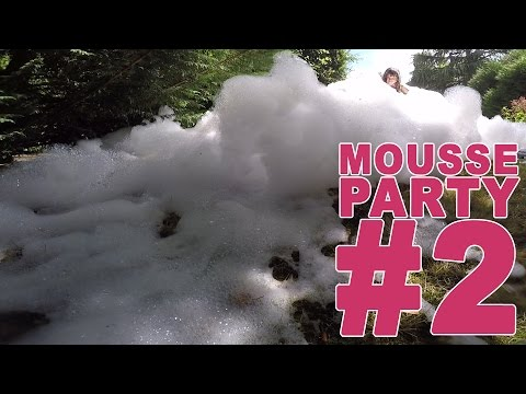 CHALLENGE SAUTS DANS JACUZZI MOUSSANT GEANT TROP FUN ! (2/2) - Studio Bubble Tea FOAM PARTY