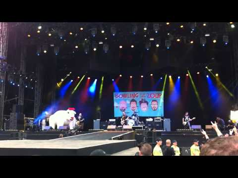 Bowling For Soup - High School Never Ends - Download Festival 2014