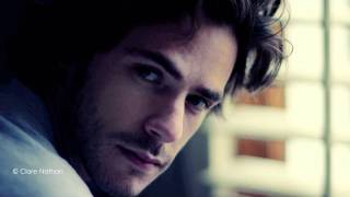 "Jack Savoretti feat. Sienna Miller Video ""Hate & Love"""