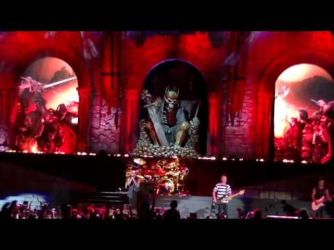 AVENGED SEVENFOLD - HAIL TO THE KING -