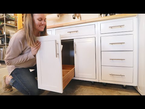 life-hack:-turn-any-cabinet-door-into-a-drawer