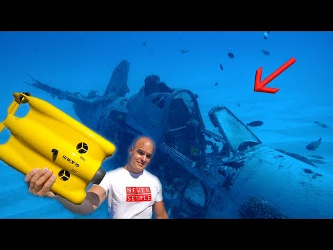 Exploring a Plane Wreck - UNDER WATER! (World War 2)