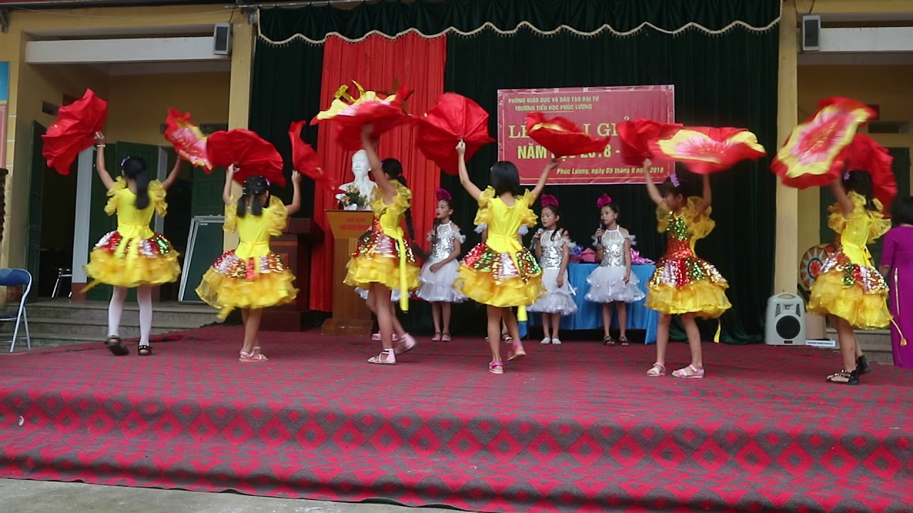 Múa hát Ước mơ ngày khai trường của trường Tiểu học Phúc Lương