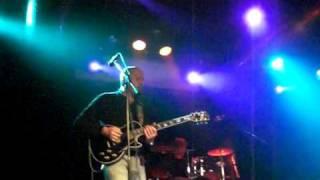 Los Ilegales Baila Idiota Suena en los clubs un blues secreto Sevilla 2010