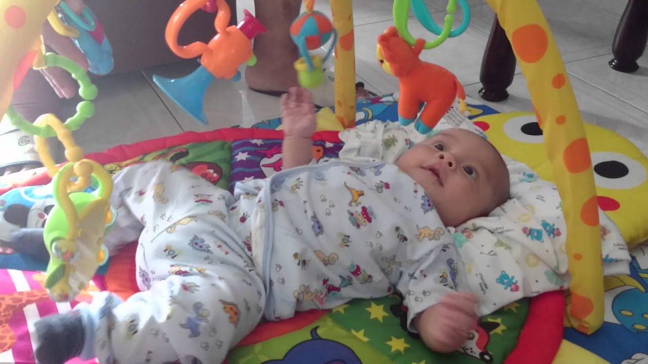 Perkembangan bayi 2 bulan aktif