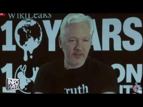 """Alex Jones: Wikileaks announcement a """"freaking trainwreck"""""""
