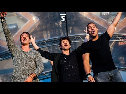 Audiotricz & Atmozfears - What About Us (Official Videoclip) Thumbnail