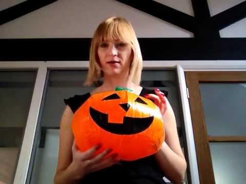 Halloween words in Italian for Kids - Video Tutorial