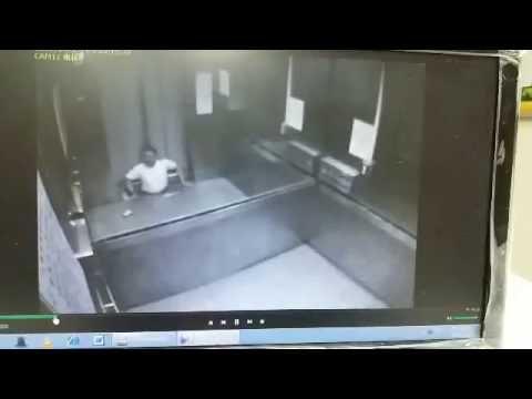 宜蘭大學電梯意外監視器畫面 - YouTube
