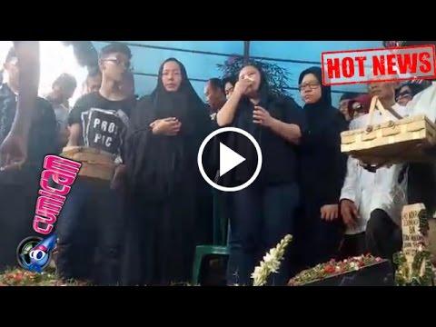 Hot News! Jenazah Eko DJ Dimakamkan, Tangis Istri Tumpah - Cumicam 28 Maret 2017