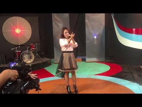 Ratu Yolanda - membawakan lagu merintih saat tampil di matrix TV