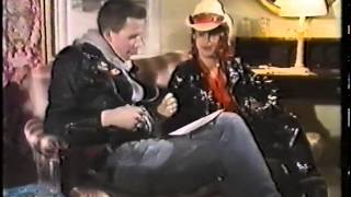 Perry Farrell interview on Snub TV 1989.
