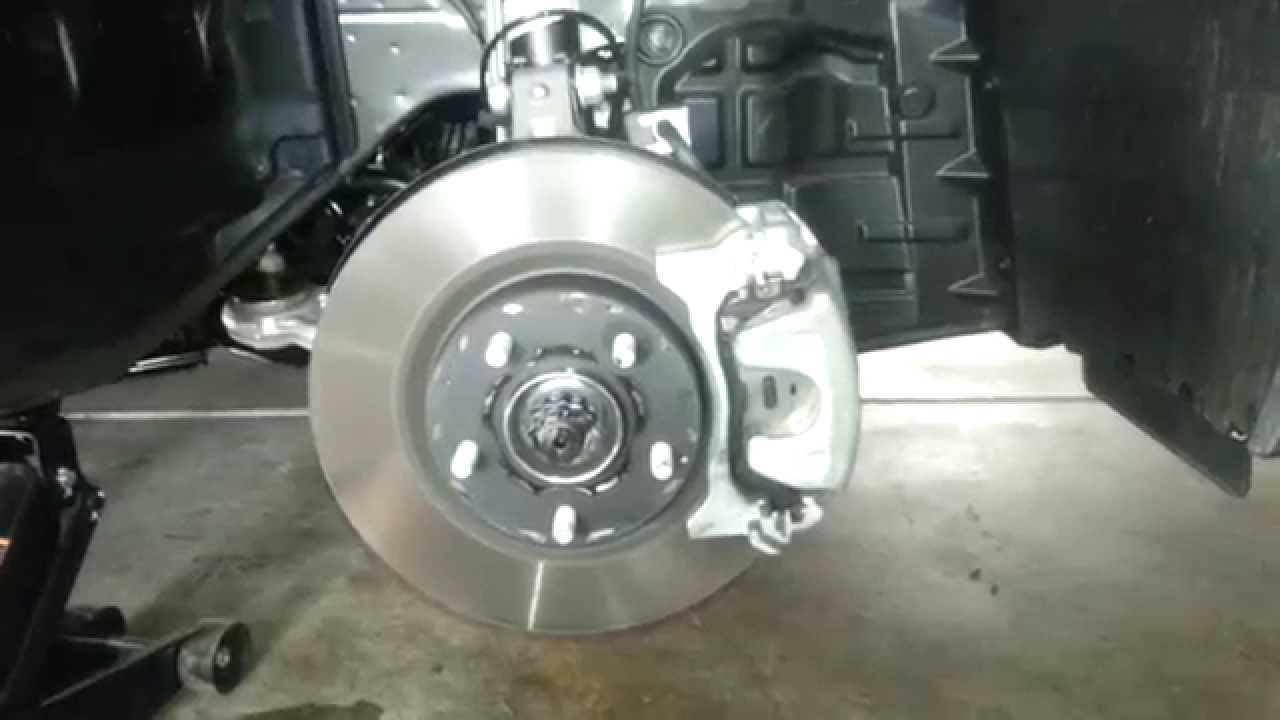 2014 Nissan Altima Sedan Checking Front Brake Rotor