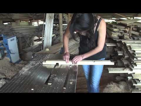 Construcci n en madera reciclada casa perro youtube - Como construir una casa de madera ...