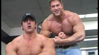 Download lagu Bodybuilders Joey GloorCraig Golias gym MP3