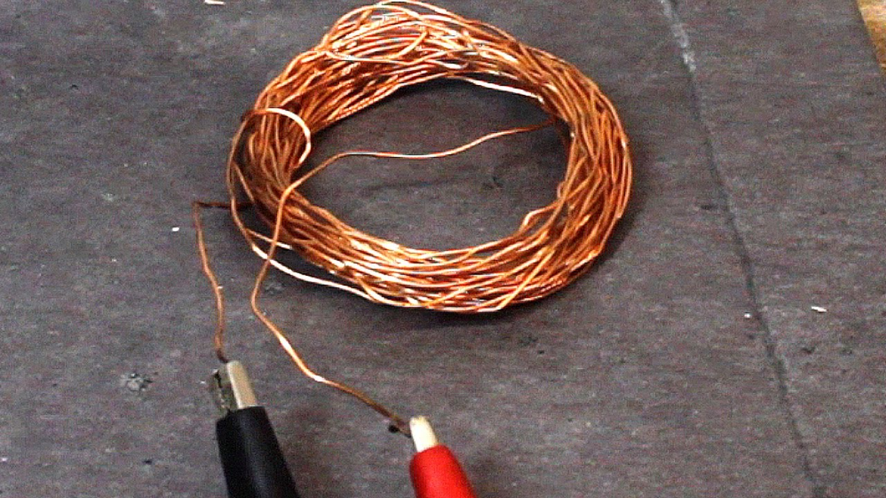DIY Rudimentary Speaker Experiments with a Wire and a Magnet. - YouTube
