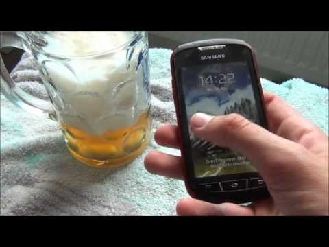 Samsung Galaxy Xcover 2 vs german beer