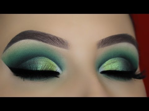 Green Smokey Cut Crease Makeup Tutorial
