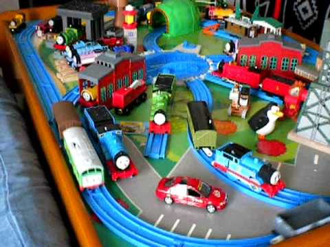 Thomas and friends, Thomas the tank engine Tomy toy train table ...