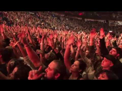 Twenty One Pilots - New Orleans - Smoothie King Center - March 2nd 2017 - Guns For Hands