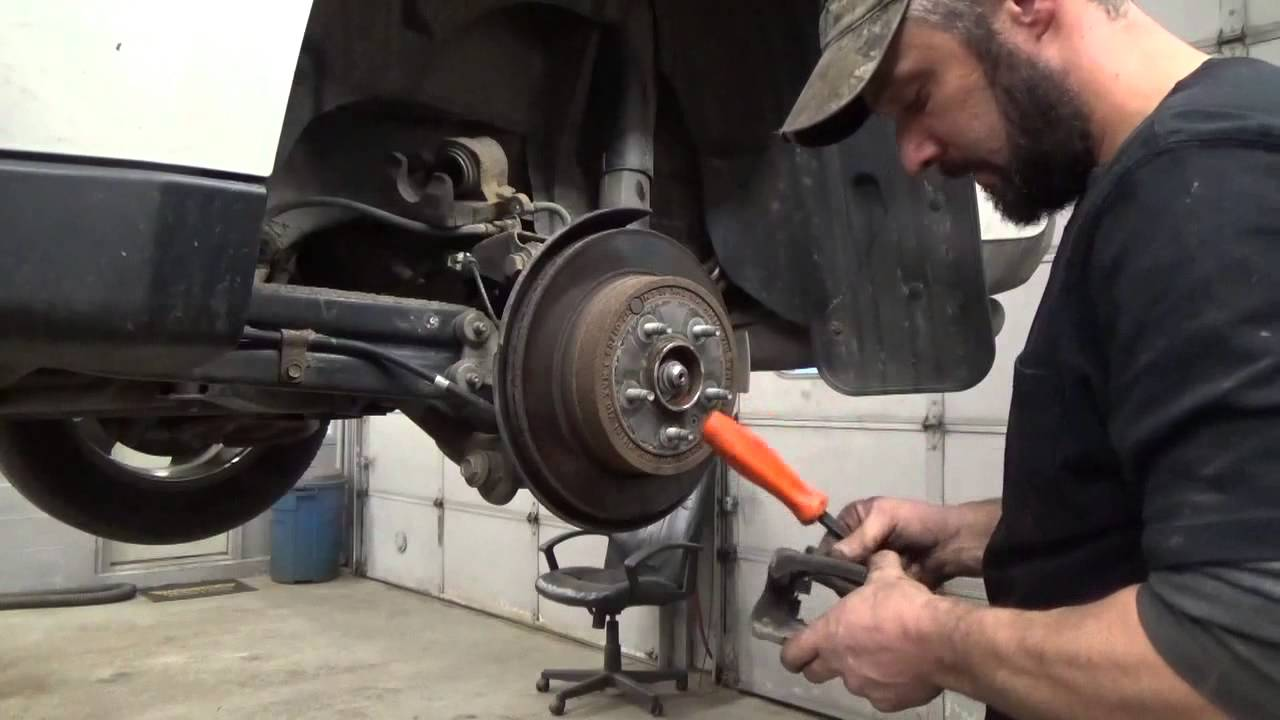 how to change rear brake shoes on suzuki grand vitara