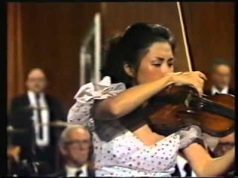 Kyung Wha Chung Berg Concerto Video