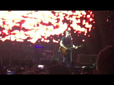 Dead in the Water-Noel Gallagher Live in...