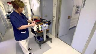 Käsien desinfiointi ja suojakäsineiden käyttö