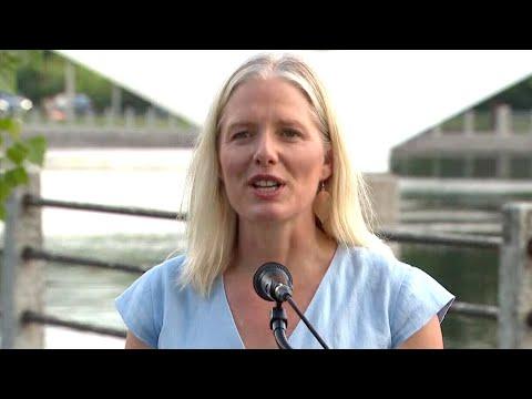 Watch Catherine McKenna announce her retirement from politics