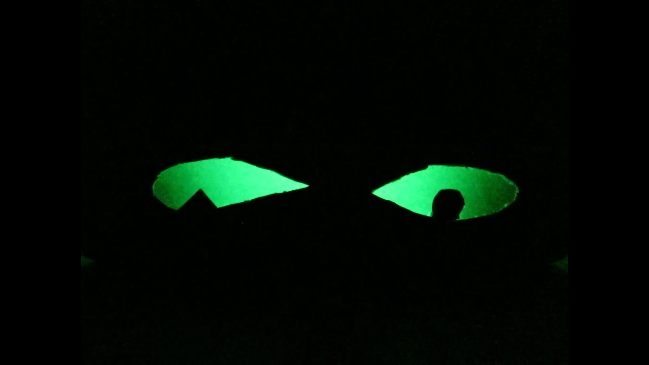 how to make glowing 'spooky eyes' - for halloween / zombie parties