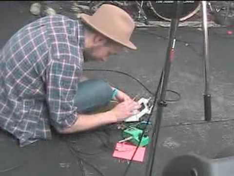 Jam Sessions: NINTENDO DS USED TO PLAY GUITAR IN A CONCERT