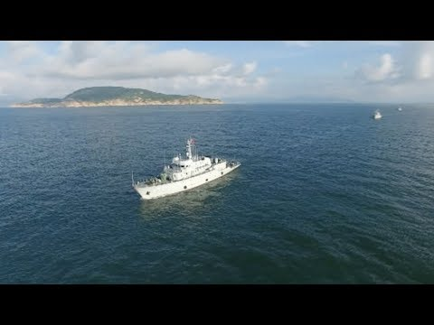 Chinese Navy Fleet Carries out Confrontation Drill