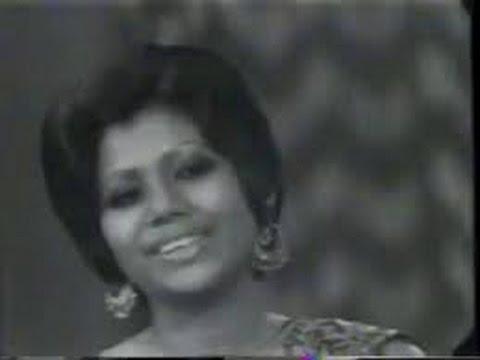 Damadam Mast Qalandar Lyrics - The Loves Of Runa Laila (1988)
