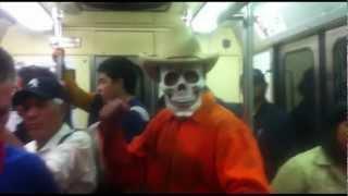 Siglo XX... que estás en los cielos - La MUERTE en el metro