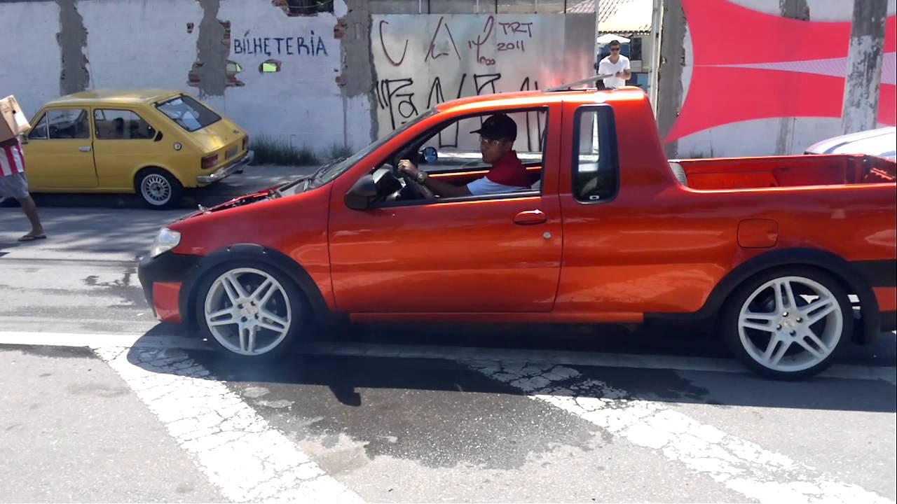 Fiat Strada Turbo Fazendo Burnout Youtube