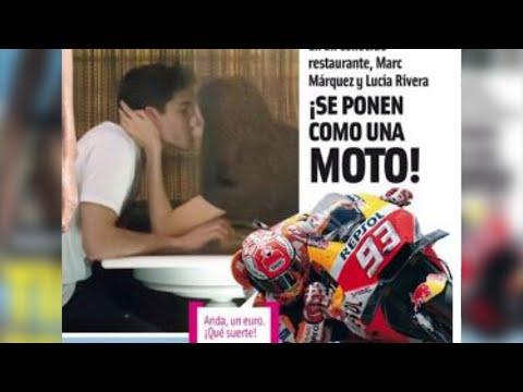 El apasionado beso de Lucía Rivera y Marc Márquez