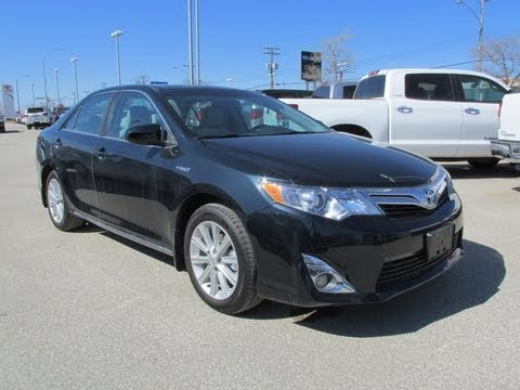 2013 Toyota Camry XLE Hybrid Power up, Walkaround and Vehicle Tour